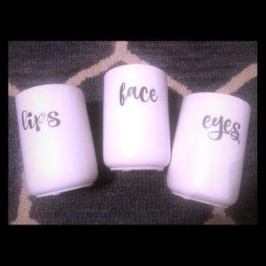 Three make up cups 💄